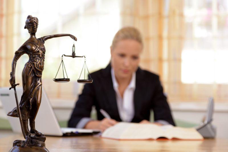Le raisonnement juridique : 3 étapes pour (vous aider à) penser comme un juriste