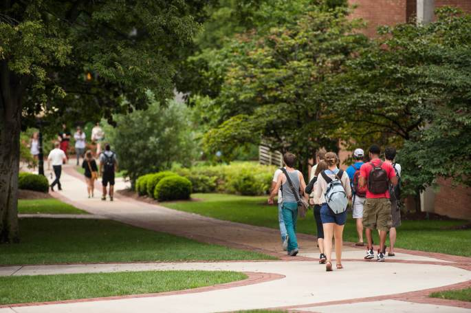 Arrivée à l'université : faut-il assister à la pré-rentrée... et à quoi sert-elle ?