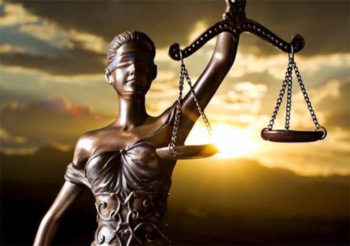 distinction juridique : droit privé, droit public, droit pénal
