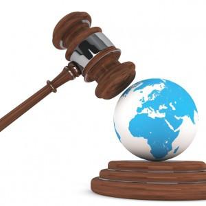 Quelles différences entre droit naturel et droit positif ?